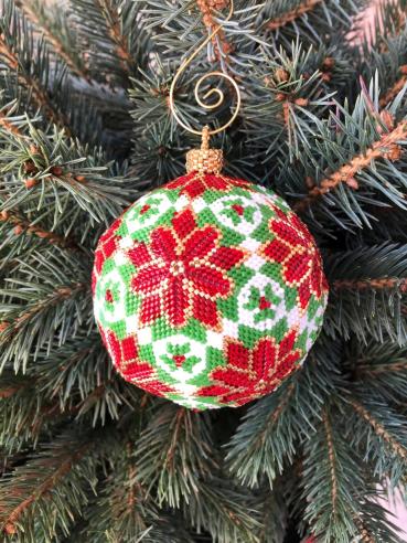 New Year's wicker ball made of beads, created in the program PeyoteCreator